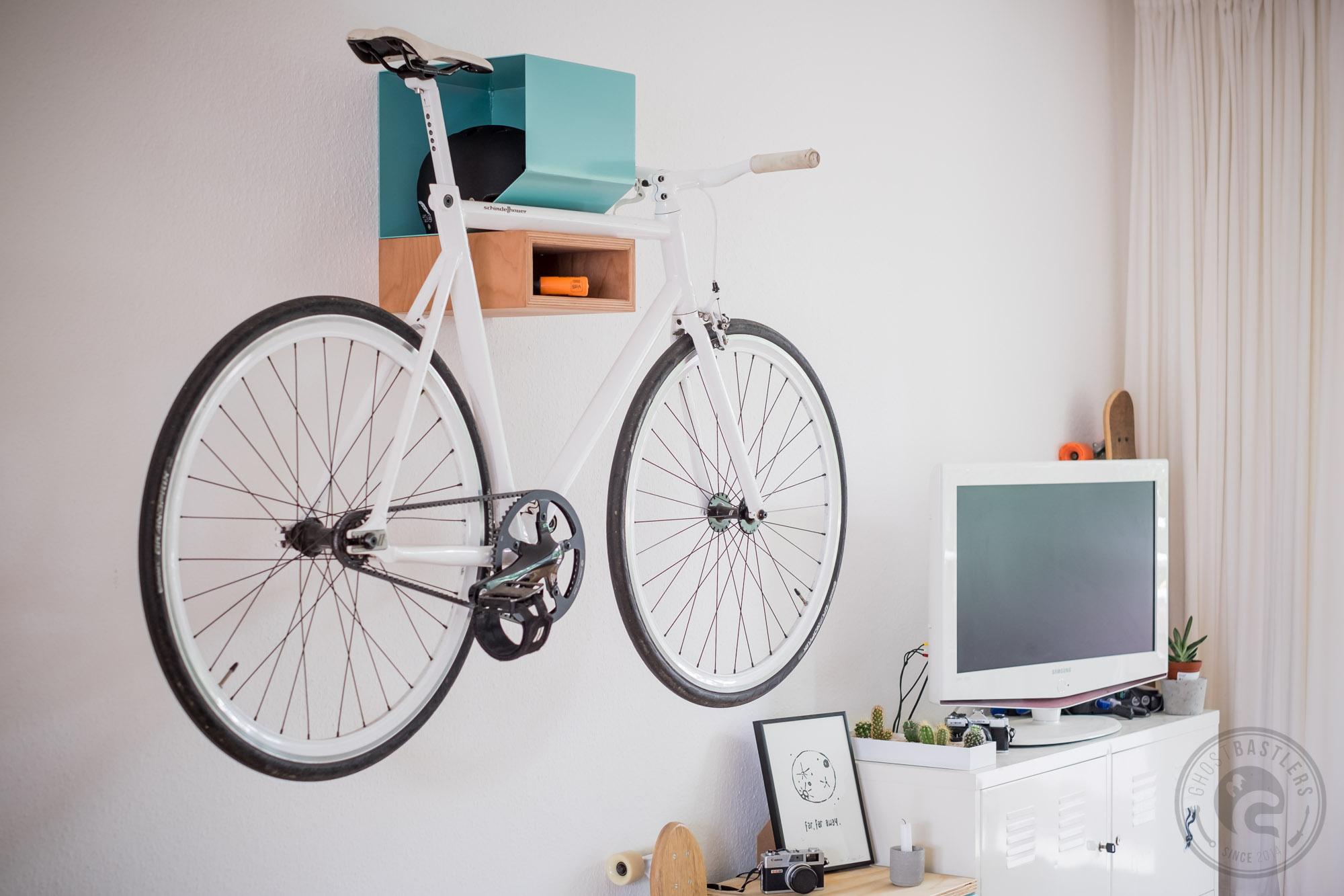 ghostbastlers fahrrad wandhalter. Black Bedroom Furniture Sets. Home Design Ideas