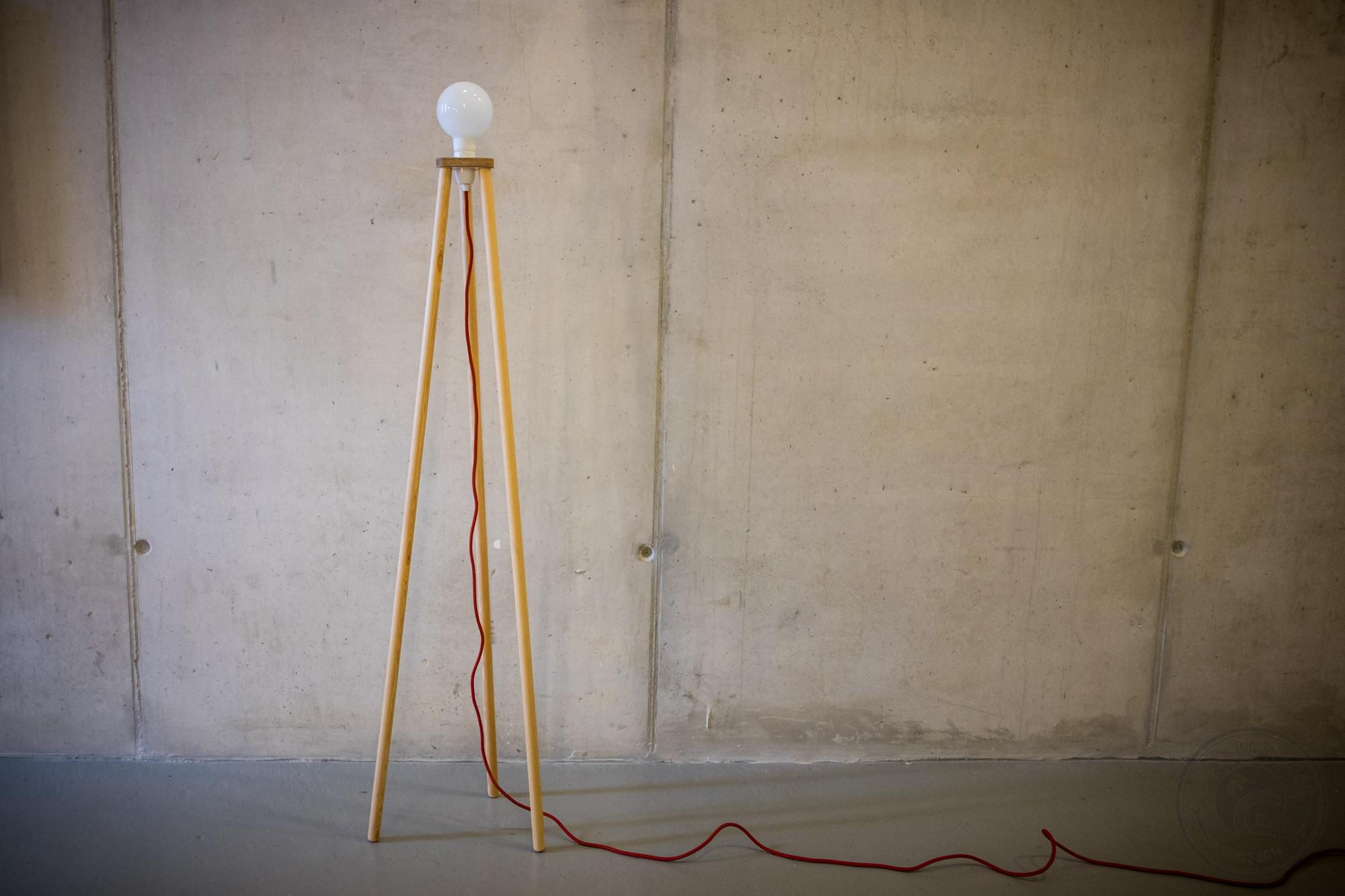 Ghostbastlers dreibein stehleuchte verwandte projekte parisarafo Choice Image