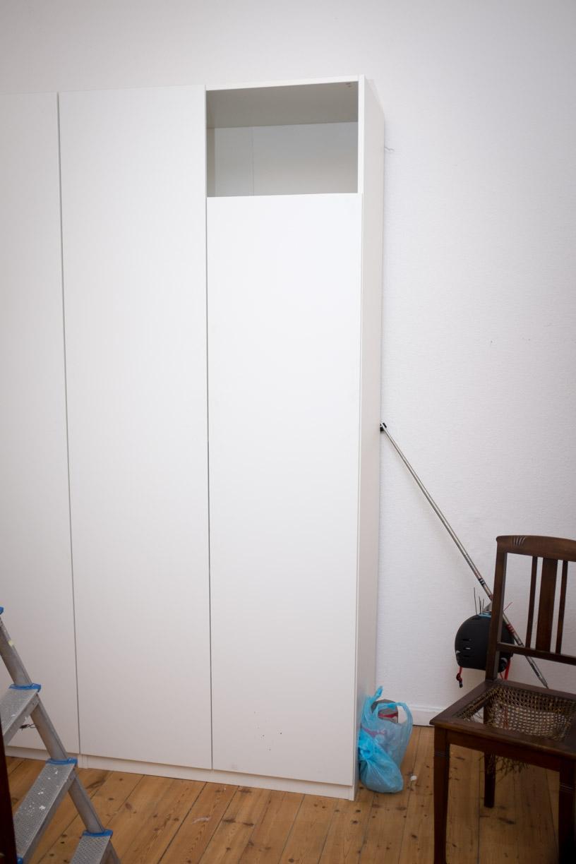 eck schlafzimmerschrank beste wohndesign und innenarchitektur ideen von the camp director. Black Bedroom Furniture Sets. Home Design Ideas