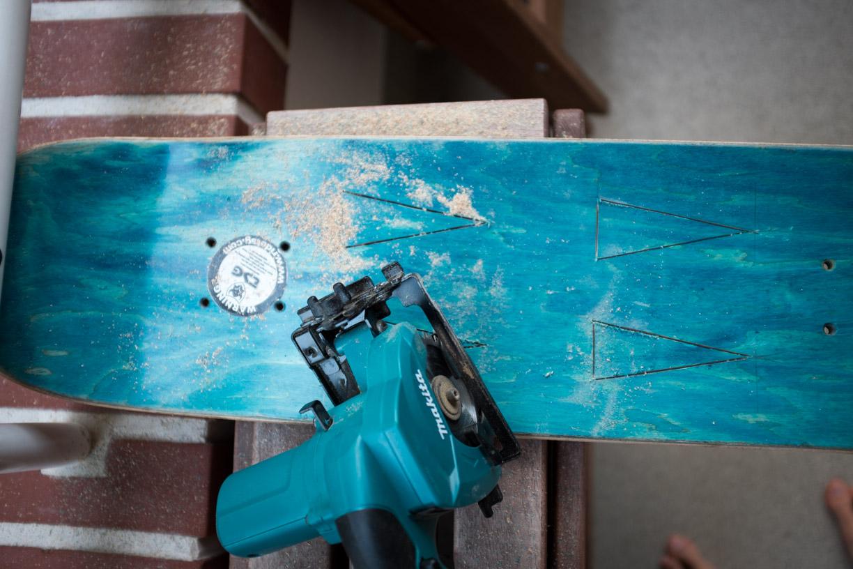 ghostbastlers garderobe aus altem skateboard selber bauen. Black Bedroom Furniture Sets. Home Design Ideas